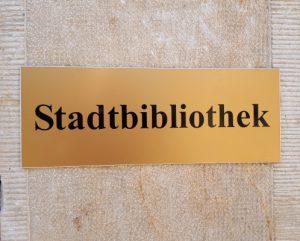 Neuer Bringe-Hole-Service in der Stadtbibliothek Seeland – unterstützt vom Verein ExLibris Bücherfreunde e.V.