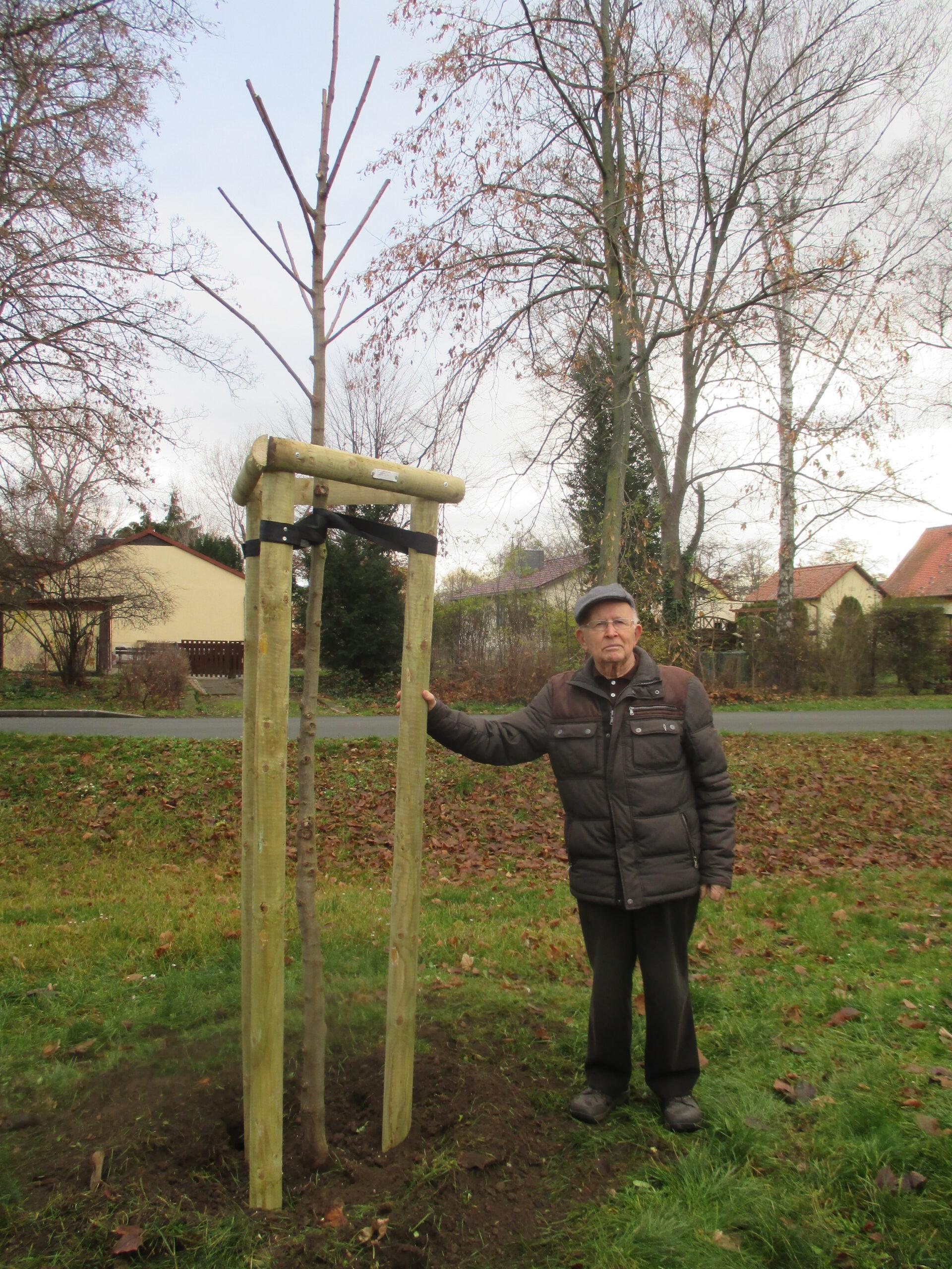 Hellmuth Fromme pflanzte einen Baum für Gatersleben