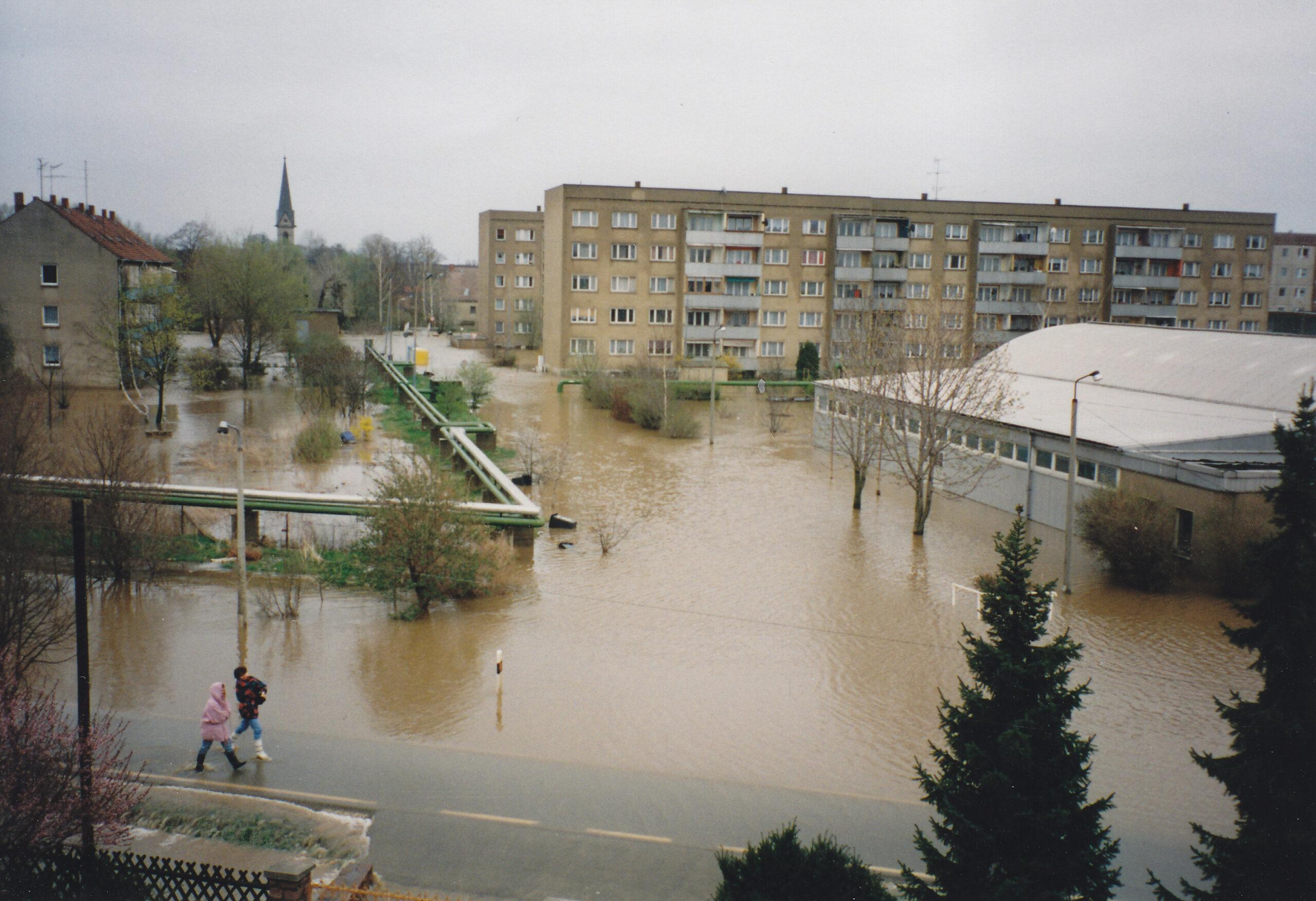 You are currently viewing Immer wieder am Rand der Katastrophe – Seit mehr als einem Vierteljahrhundert noch immer kein richtiger Hochwasserschutz!